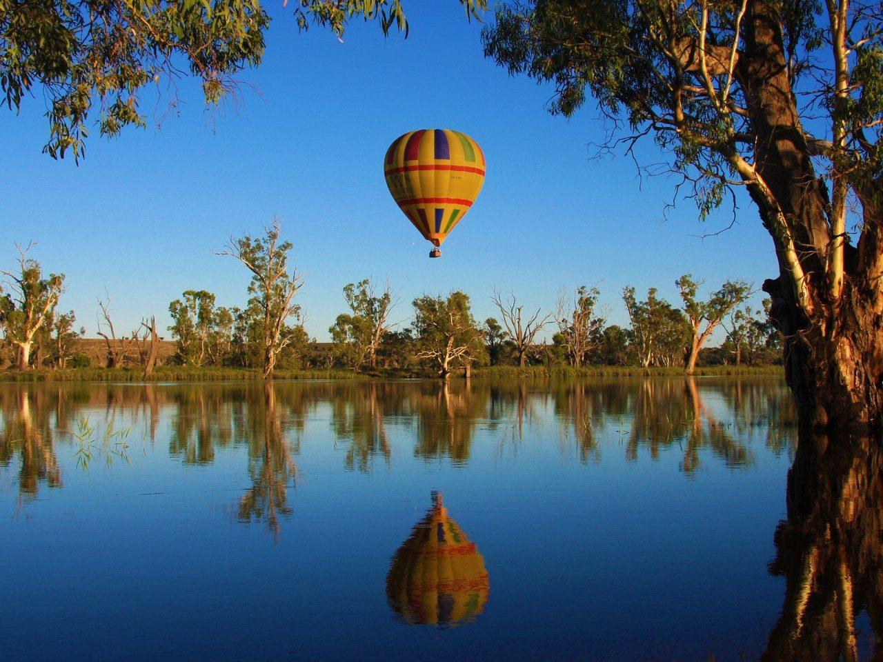 HIS Travel Australia Barossa Valley Balloon Adventures